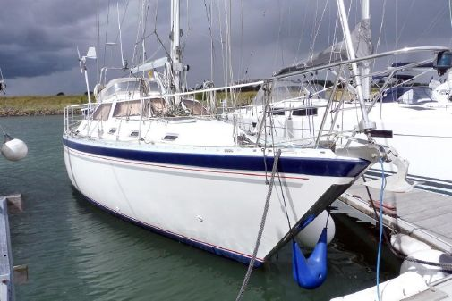 Colvic Countess 37 DS image