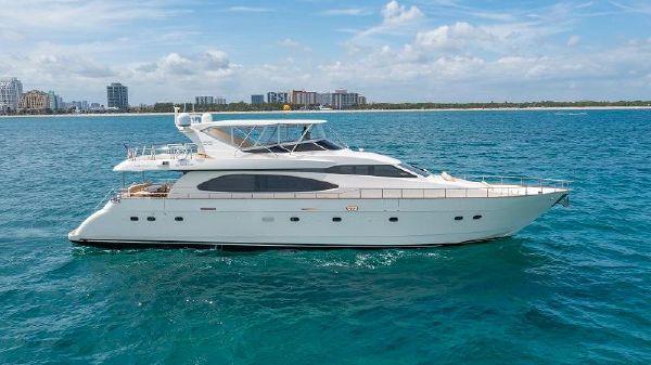 Azimut Flybridge Motor Yacht