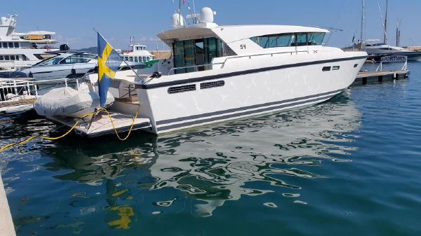 Delta Powerboats 54 Carbon IPS