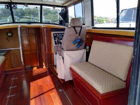 Mainship 34 Sedan image
