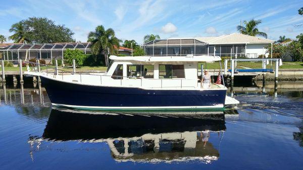 Mainship 34 Trawler Hardtop