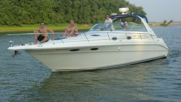 Sea Ray 330 Sundancer - FRESH WATER (JSS)