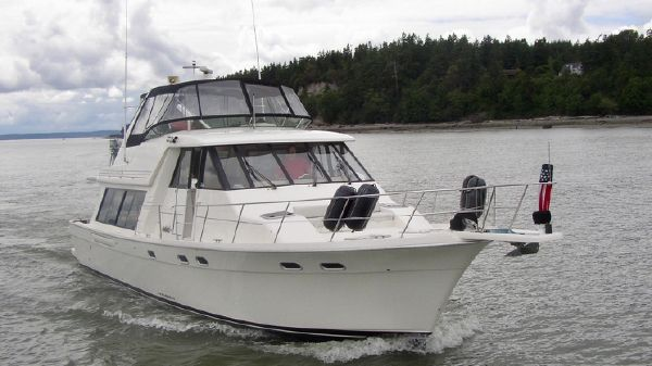 Bayliner 4788 Pilot House w/ THRUSTER