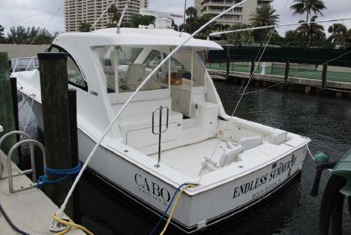 Cabo Yachts 40 HTX image