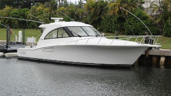 Cabo Yachts 40 HTX