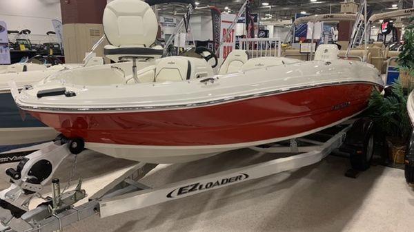 Stingray 182SC Deck Boat