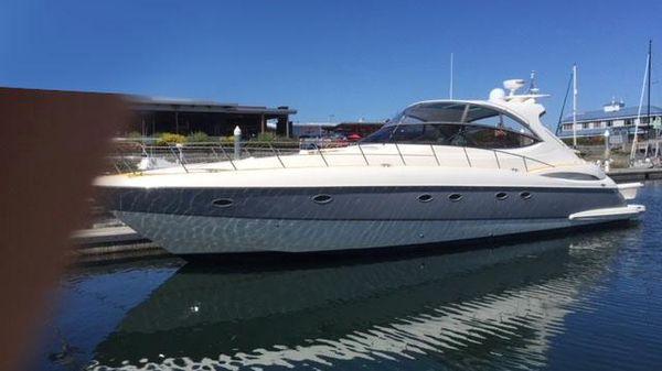 Cruisers Yachts 560