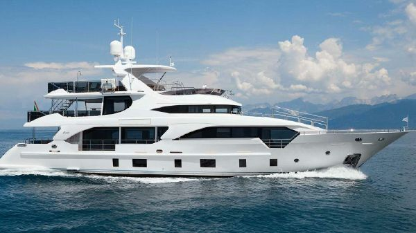 Benetti Tradition 108