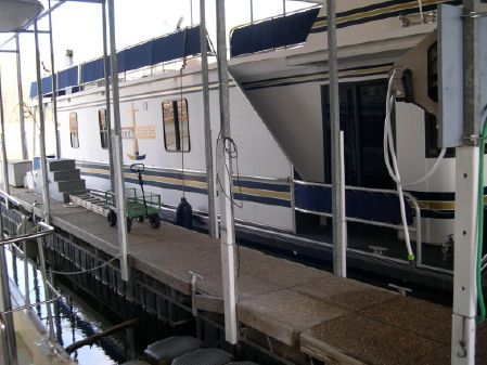 Stardust Cruisers Houseboat image