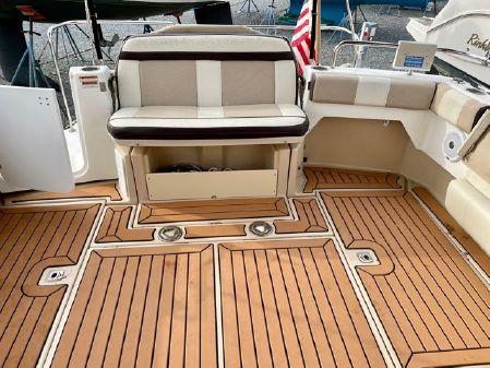 Cutwater 30 Sedan LE image