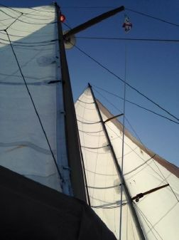 Custom Ketch 48 image