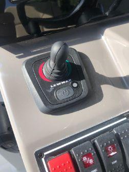 Pursuit S 328 Sport image