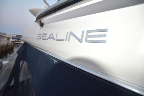 Sealine T47 image