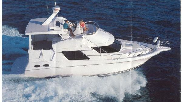 Silverton 372 Motor Yacht 1997 Silverton 372 / Catalog Image