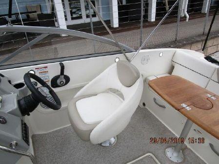 Bayliner 642 image