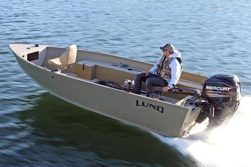 Lund 1600 Alaskan Tiller image
