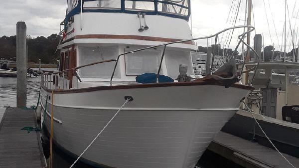 Marine Trader 38