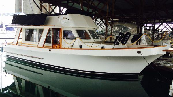Custom Roberts 36 Trawler