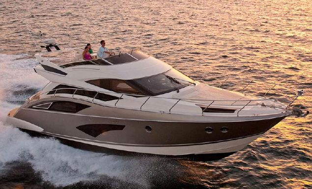 2017 Marquis 500 Sport Yacht