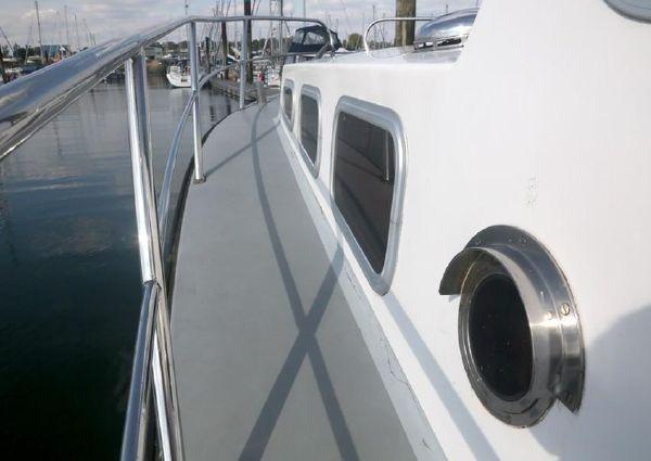 Lochin 33 Cruiser image