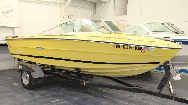 Sea Ray SRV 180 Closed Bow