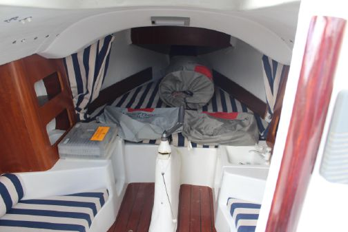 Beneteau First 211 image