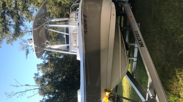 NauticStar 231 Angler
