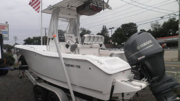 Tidewater 21 center console