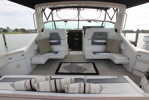Sea Ray 390 Express Cruiser image