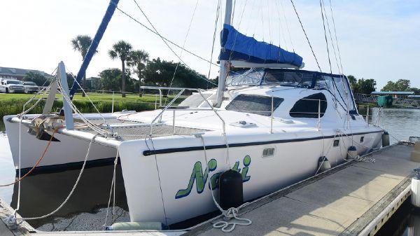 Maxim 380 Catamaran