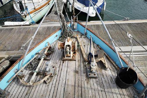 Laurent Giles Peter Duck image