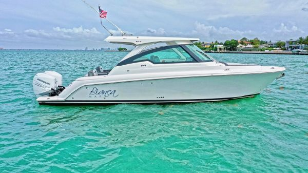 Tiara Yachts LX