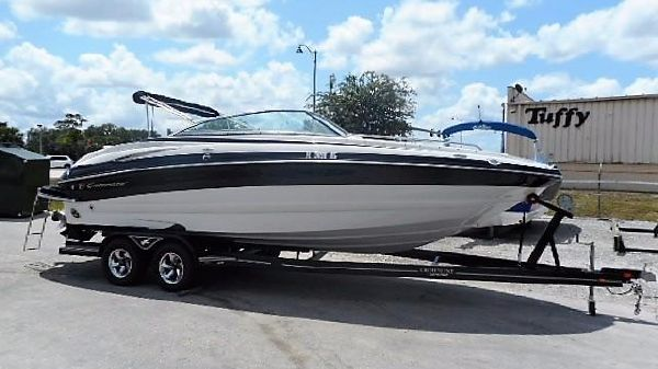 Crownline 240 LS 2008 Crownline 240 LS Deck Boat Bow Rider Dual Console