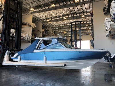 2017 Boston Whaler<span>320 Vantage</span>