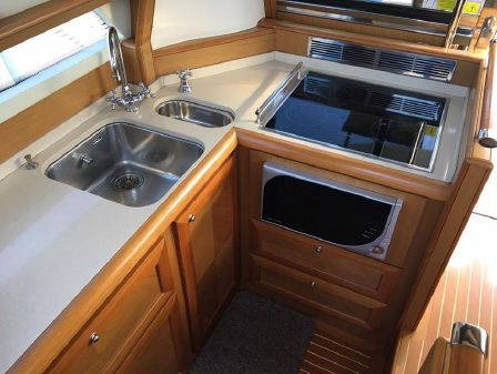 Mochi Craft 54' Dolphin image