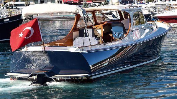 Hinckley Picnic Boat 34