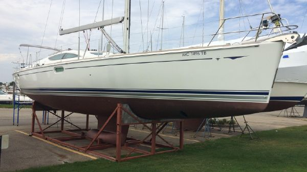 Used Jeanneau Boats For Sale - St  Clair Sailboat Center in United