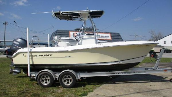 Sea Hunt Ultra 210