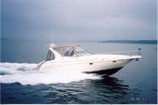 Cruisers Yachts 3575 Esprit image