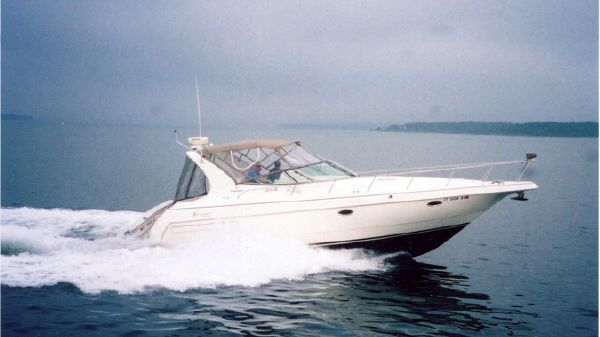 Cruisers Yachts 3575 Esprit