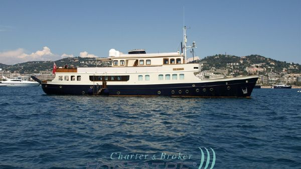 Motor Yacht Lady May