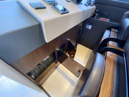 Azimut 50 Flybridge image
