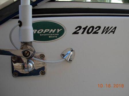 Trophy 2102 Walkaround image