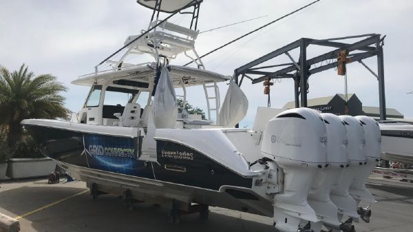 Everglades 43 Center Console Grid Connection 2016 43 Everglades Starboard Quarter