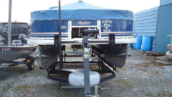 Sun Tracker Fishin Barge 22