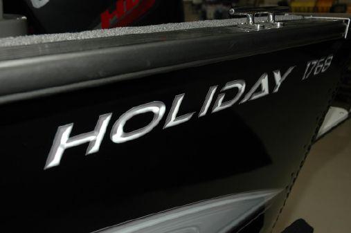 MirroCraft 1768 Holiday image