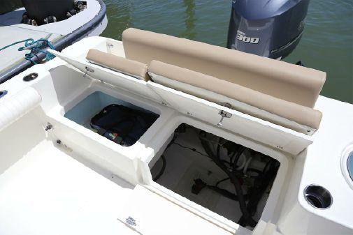 Sea Born LX24 Center Console image