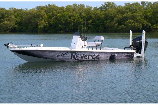 Yellowfin 21 Bay image
