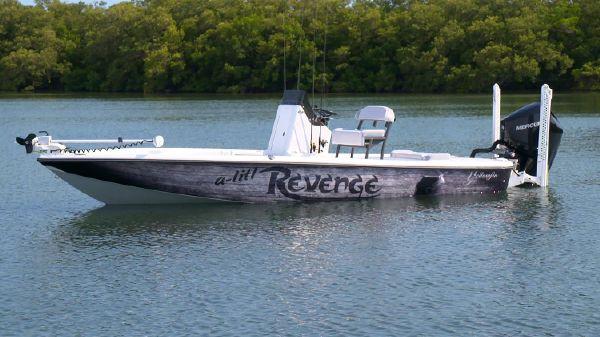 Yellowfin 21 Bay