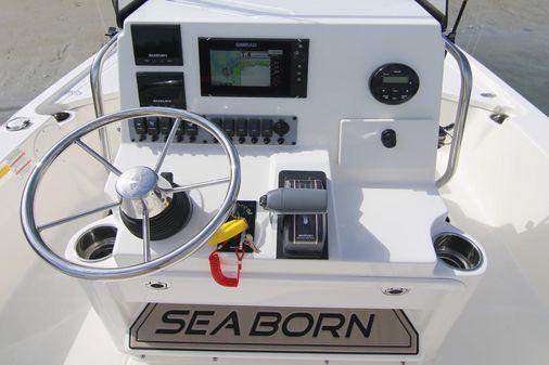 Sea Born FX21 Bay image